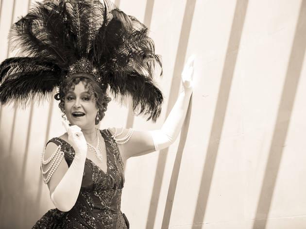 Daniela Romo regresa al teatro como la Sra. Dolly, la famosa casamentera