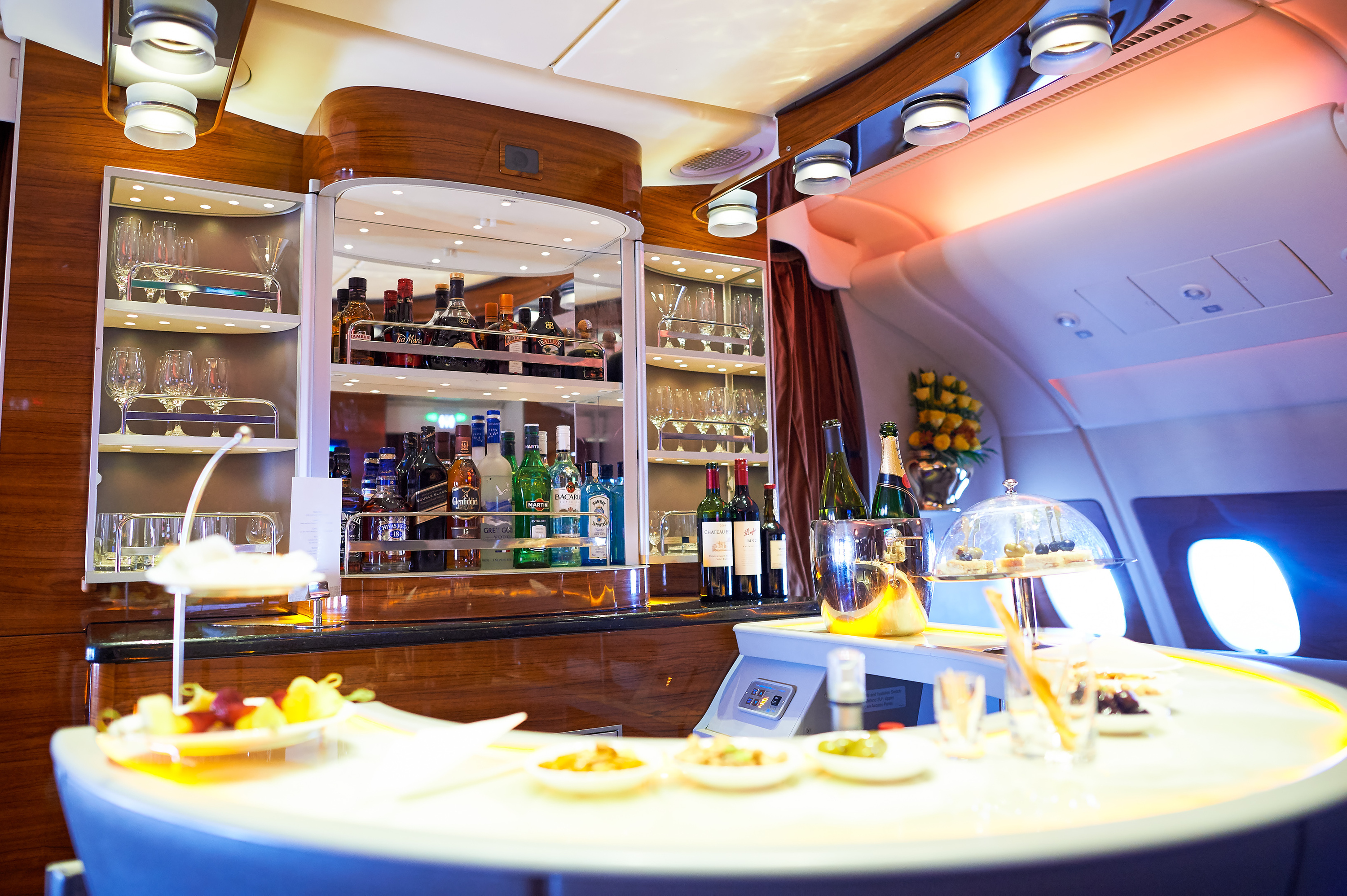 A 1950s airplane is turning into a vintage-style cocktail bar at JFK