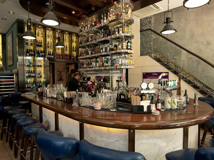 Staunton's Wine Bar + Cafe