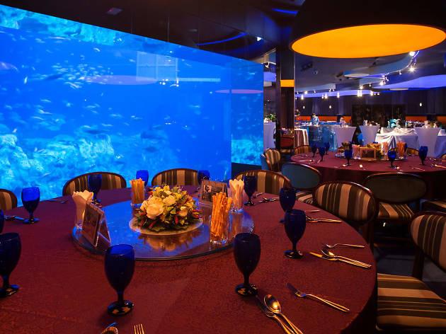 Neptune's Restaurant interior