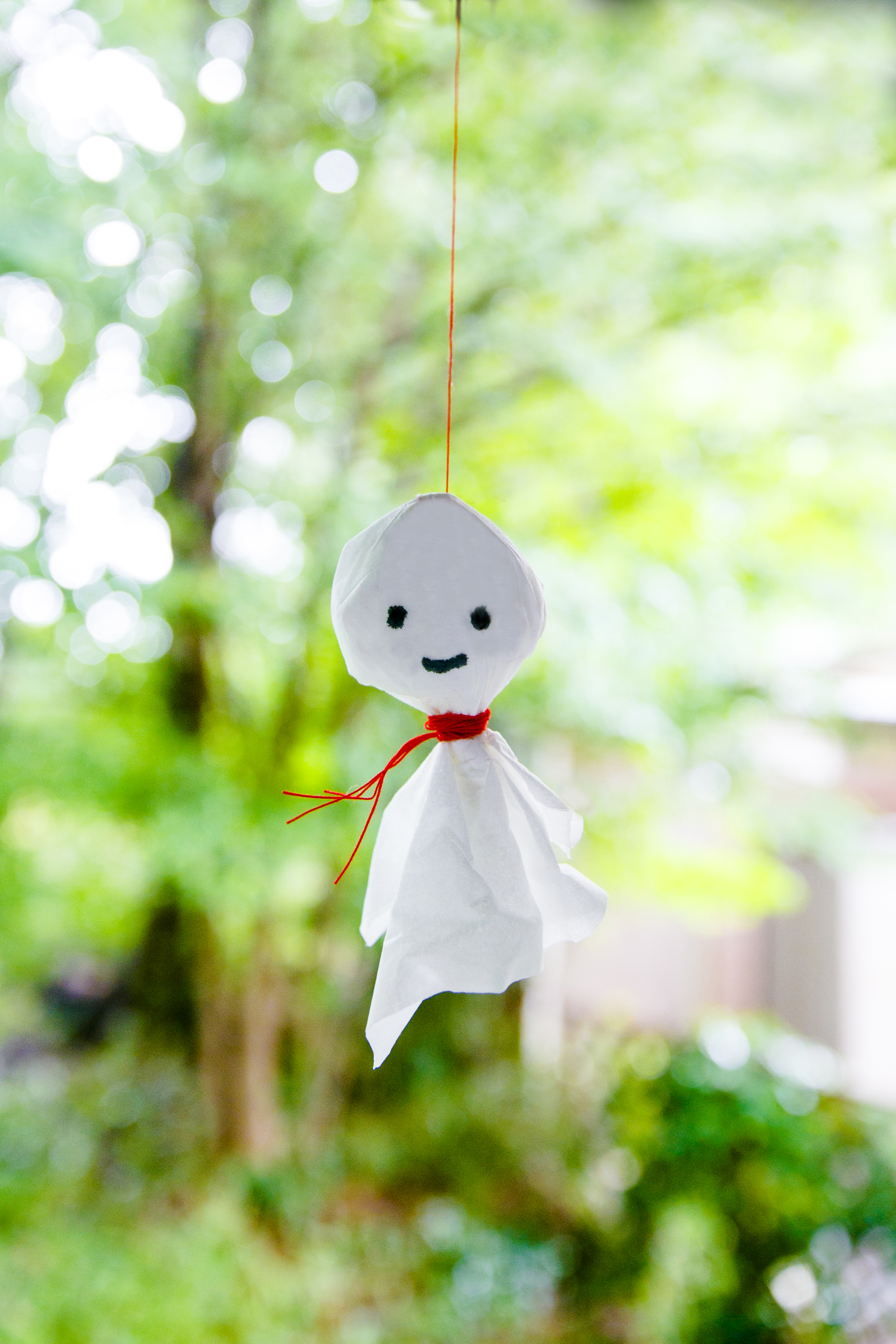 Tokyo Q&A: Why are there little white puppets hanging around windows in Tokyo?