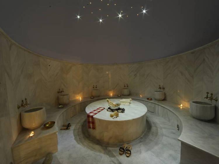Se détendre dans un hammam Bath