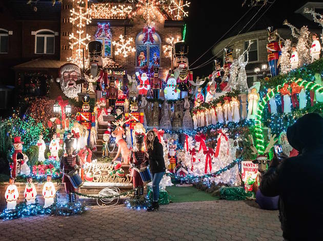 where to see christmas lights in nyc - Big Indoor Christmas Decorations