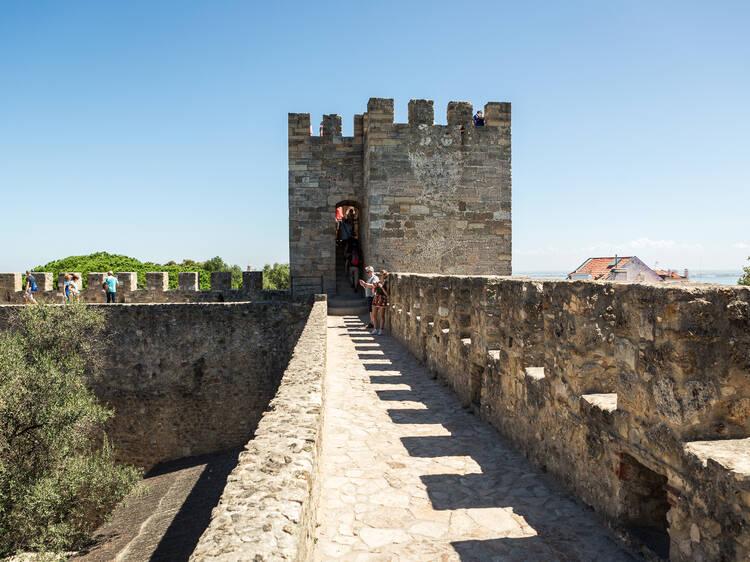 O Castelo de São Jorge é do tempo de que rei?