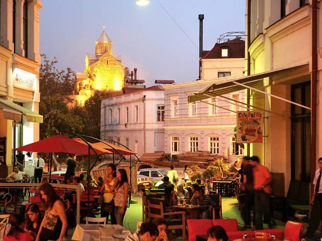 Entre los 50 barrios más cool del mundo está Sololaki en Tiflis