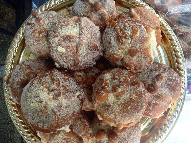 Pan de muerto en la Feria de Cémpasuchil