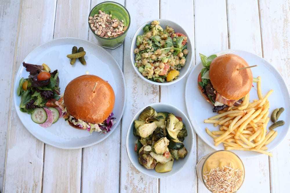 Bondi Harvest Aussie Cafe in Santa Monica