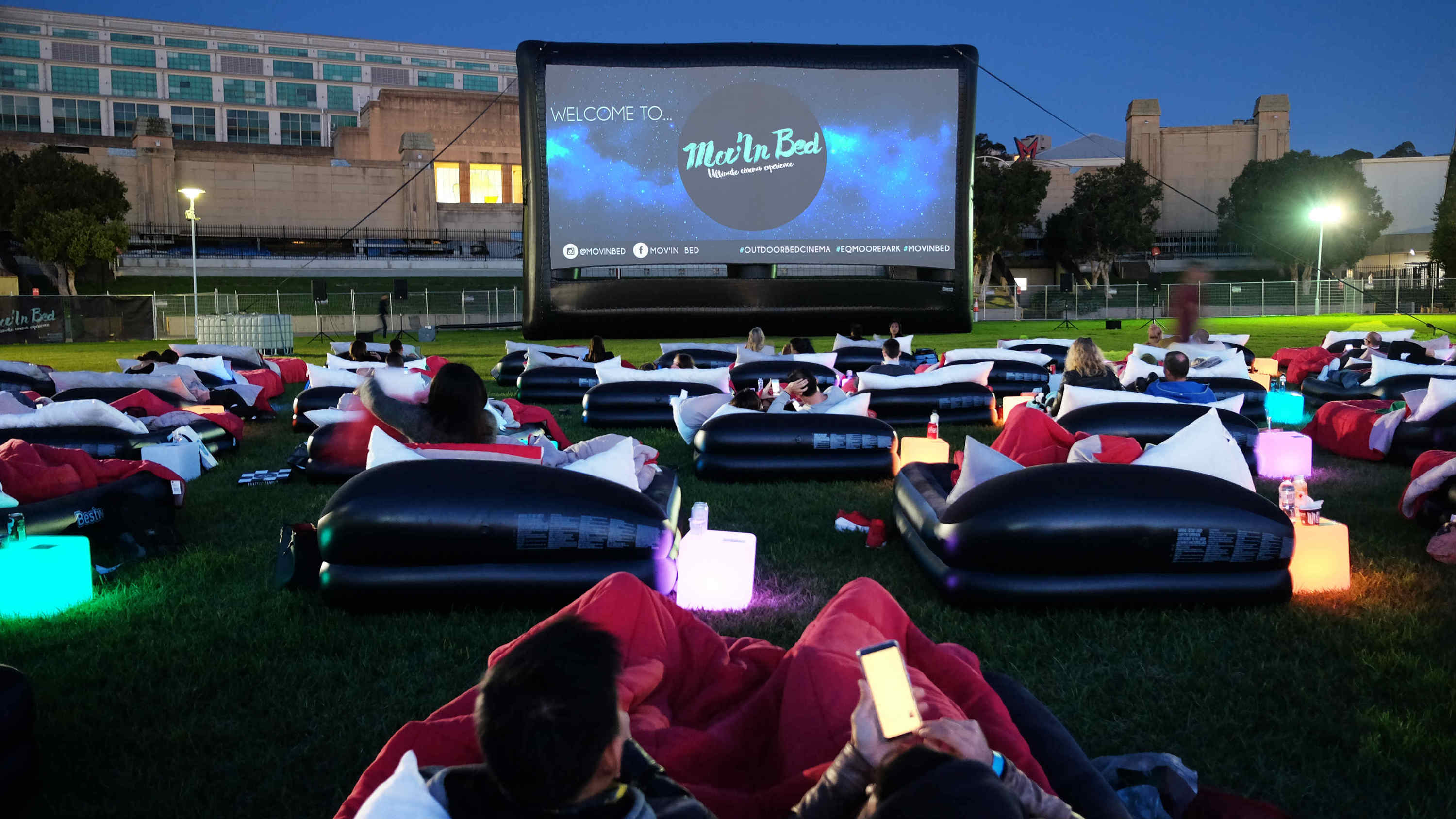 Mov'in Bed Outdoor Bed Cinema