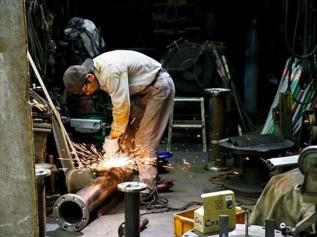 鉄工島FES開催目前、熟練の技とアートが融合する工場内を初公開