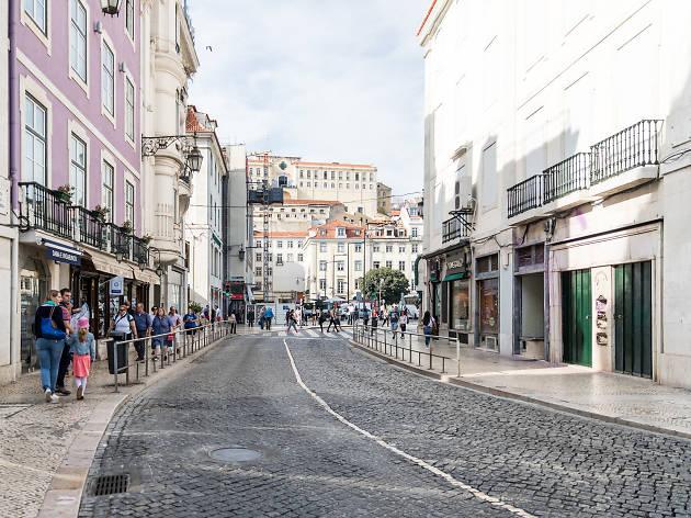 rua da betesga, betesga, rossio, rua, turismo, turistas, sol, prédios
