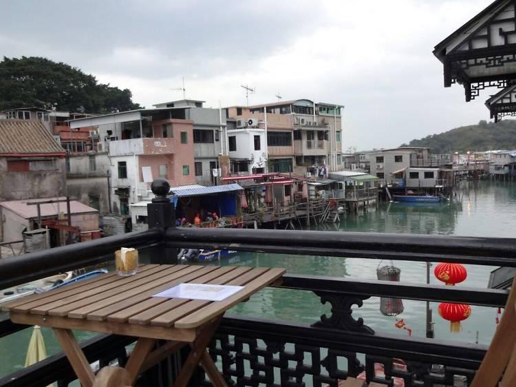 Chill out at Triple Lanterns Café