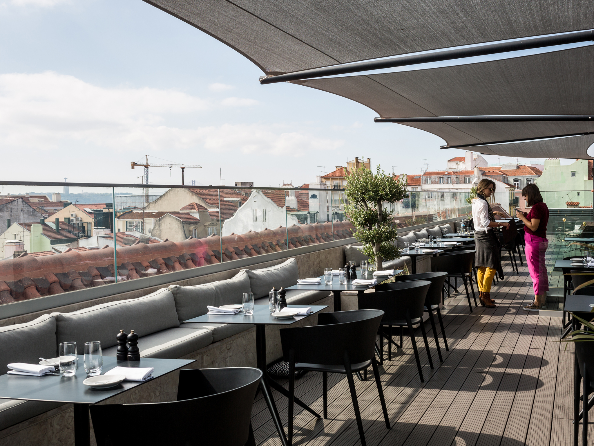 Lumi Rooftop Bar & Restaurant