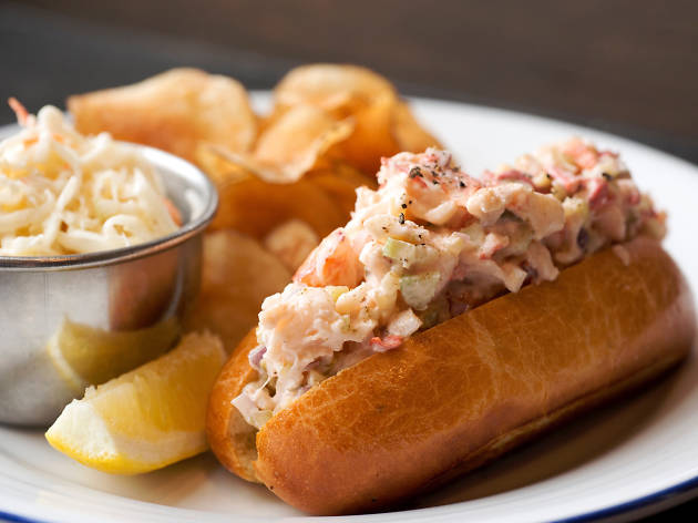 Island Creek Oyster Bar, lobster roll