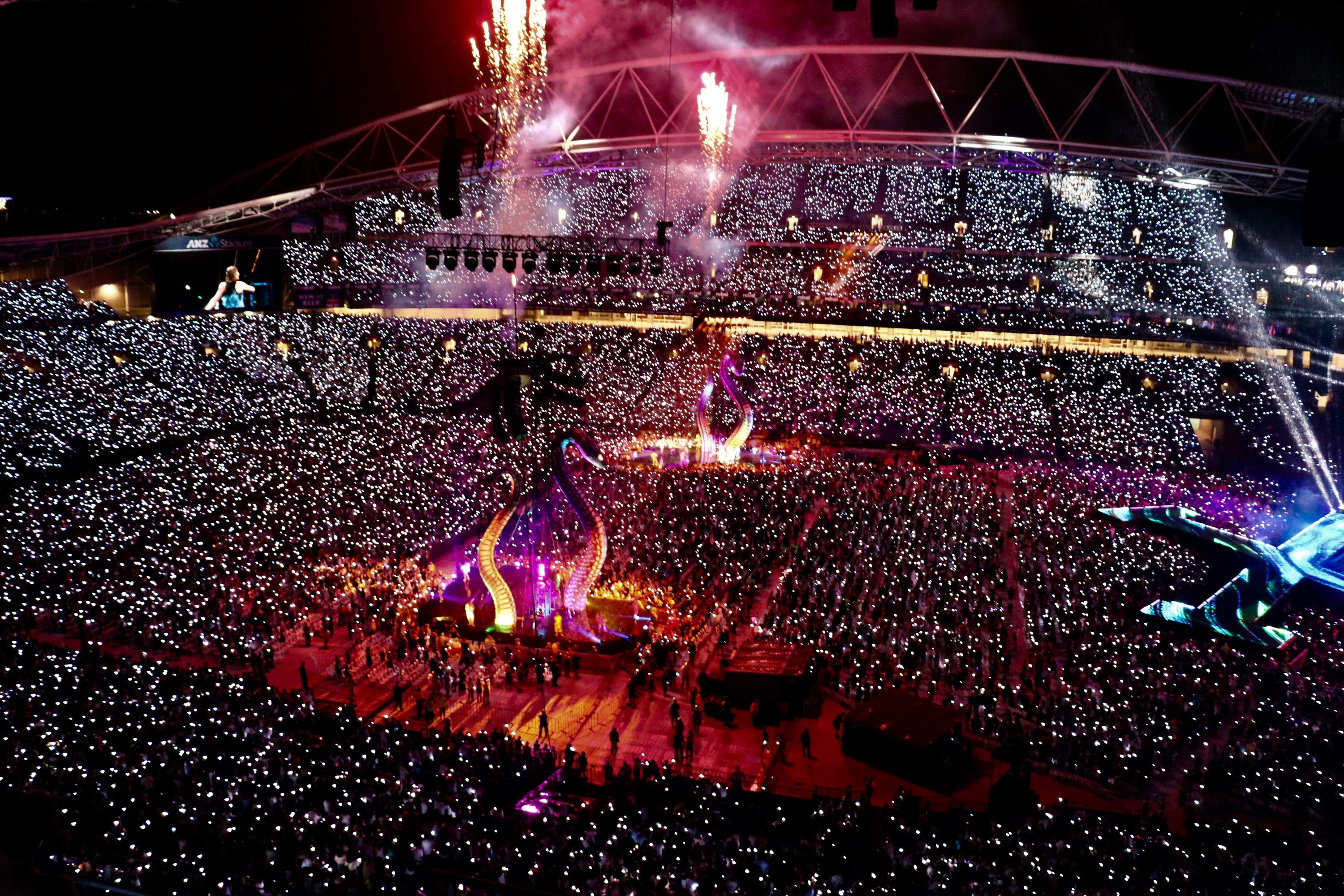 The crowd at ANZ Stadium for Taylor Swift November 2018