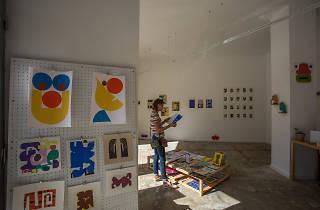 Ver exposições, comprar tapetes e descobrir objectos criativos