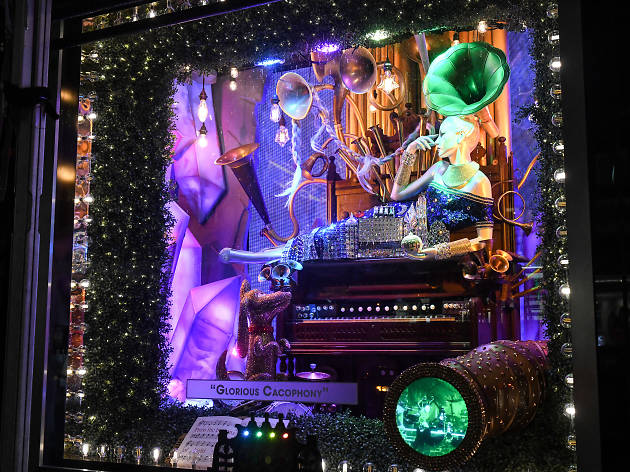 christmas window displays in new york - How To Decorate Windows For Christmas