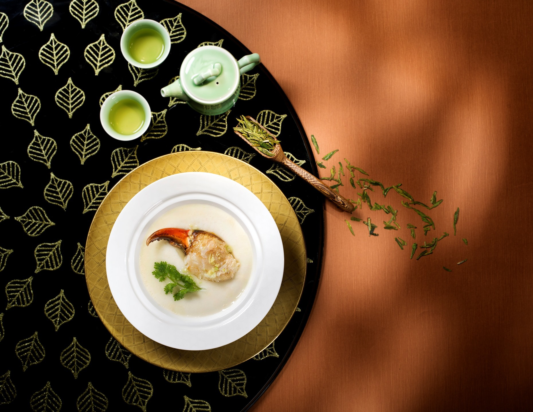 Golden Leaf - Steamed fresh crab claw with Chinese rice and ginger paired with Xihu Pre Qingming Long Jung Green