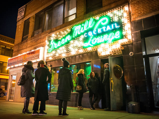 The best Chicago bars open till 4am or later