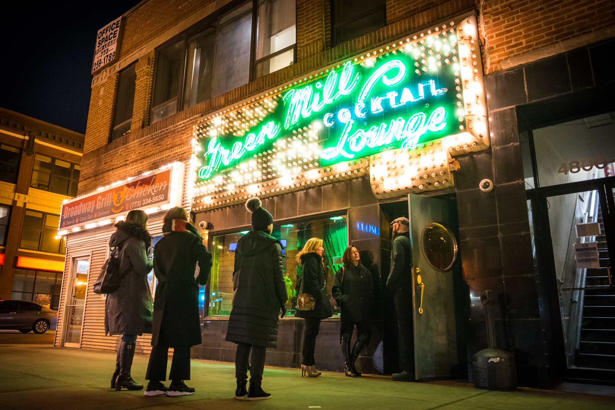 32 Chicago Bars That Stay Open Until 4am