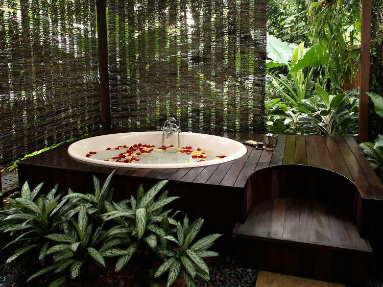 Most romantic spas in Singapore