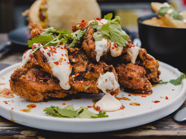 Petare - Deliveroo fried chicken advertorial
