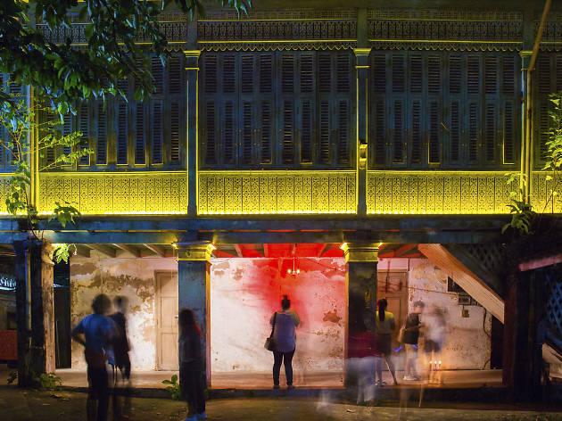 Awakening Bangkok - Floor Fueng Fah