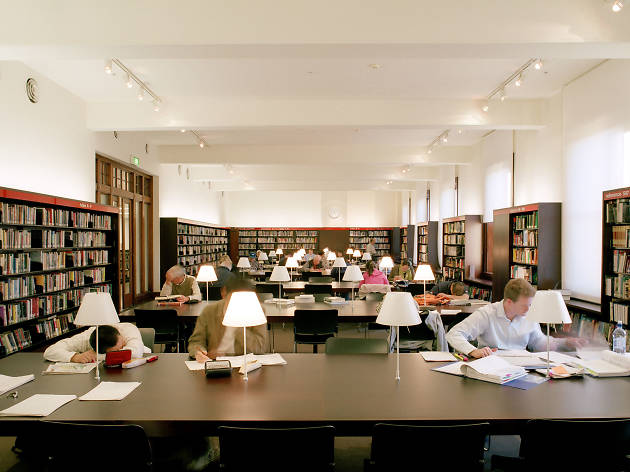 People reading inside Customs House Library
