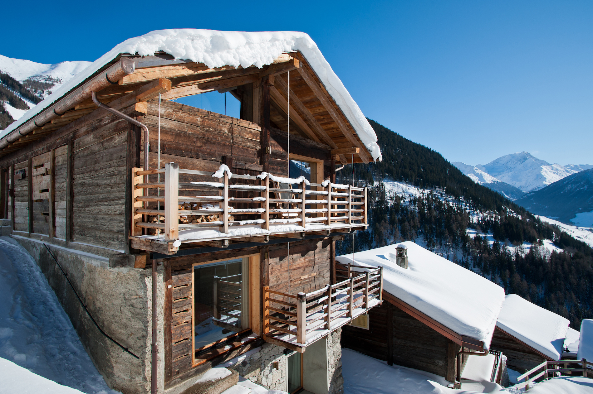 Montagne Alternative, Orsières, for Swiss Tourism Winter Staycation advertorial
