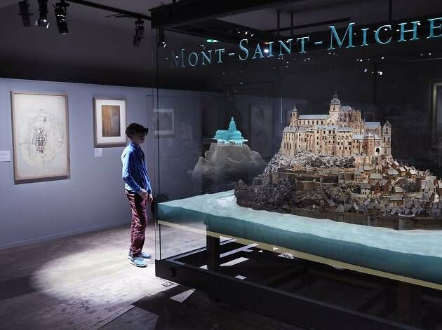 Microsoft's mixed reality technology brings a French landmark to life