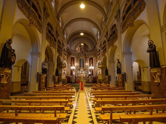 Interior de l'església de la Cova de Sant Ignasi