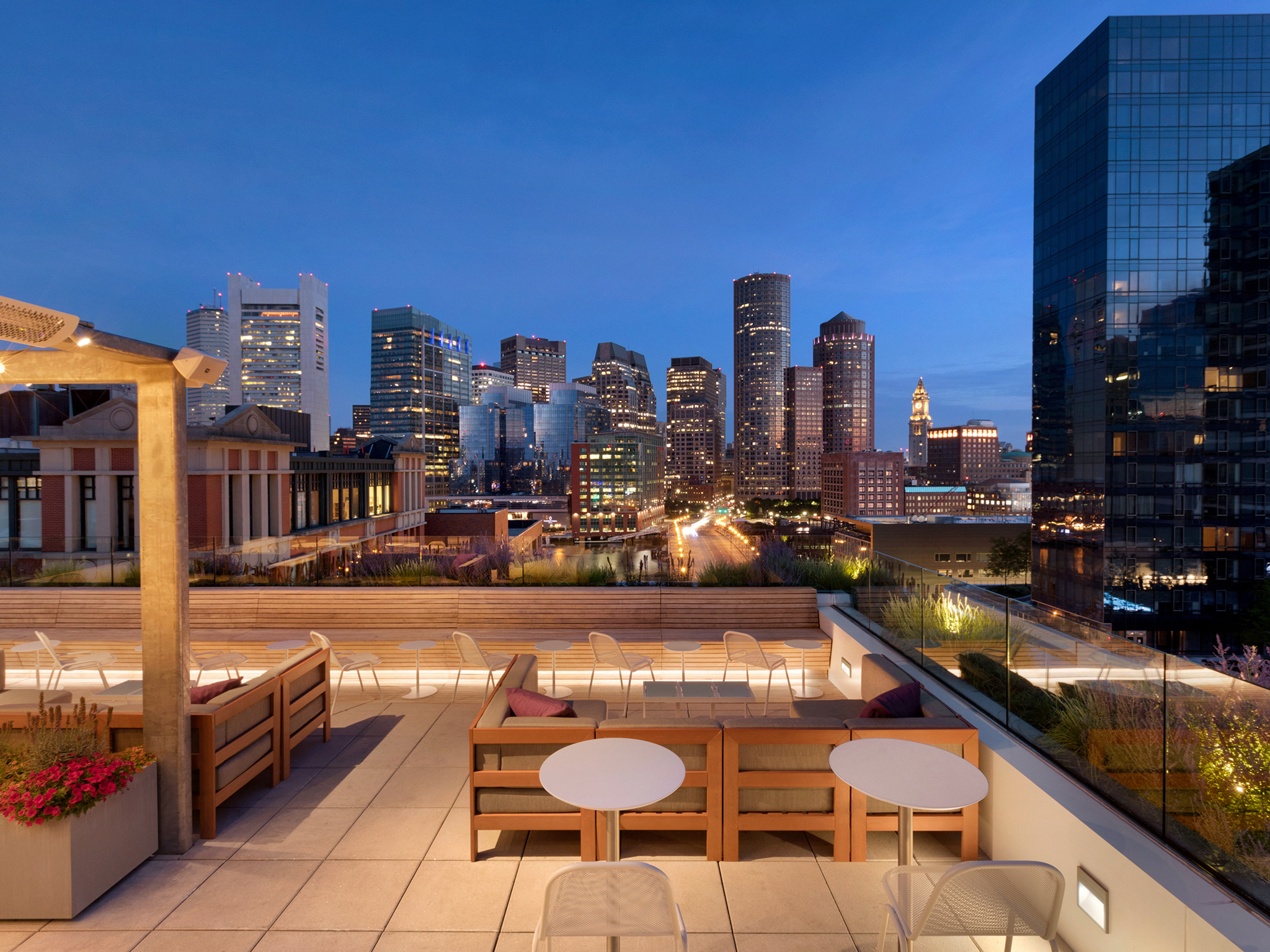 13 Best Rooftop Bars In Boston For Summertime Drinking