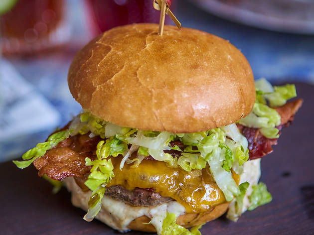 Cow Marlowe brings its famous burgers and cocktails to the Marina