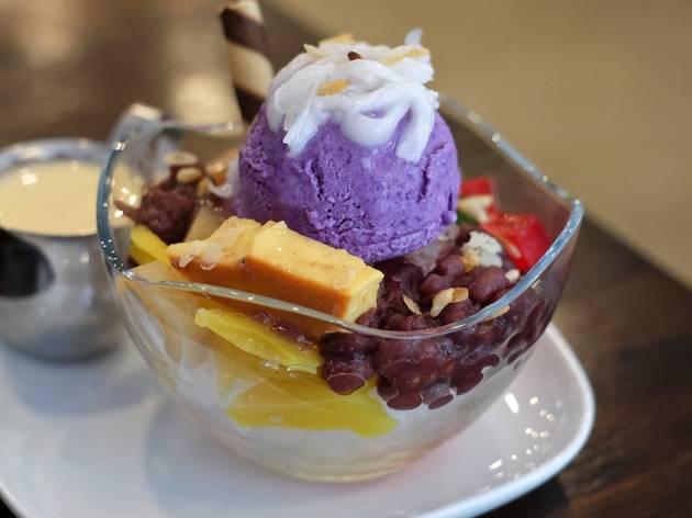 Filipino halo halo at Descanso, iced dessert