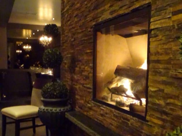 Deuxave fireplace