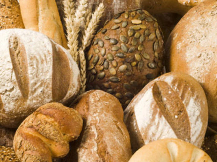 Degustar el pan artesanal de la ciudad