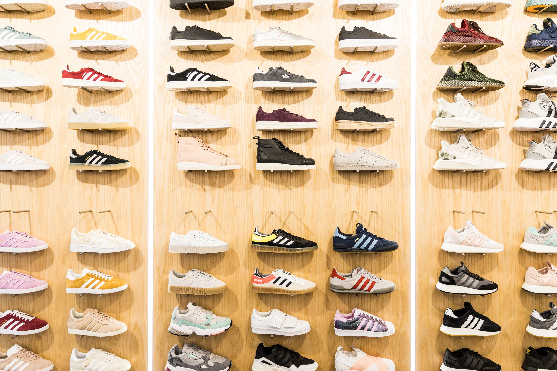 13 lojas de ténis em Lisboa para percorrer a cidade em
