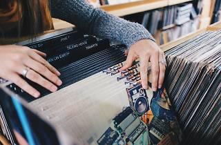 Ce week-end, énorme destockage de vinyles à partir de 2 €