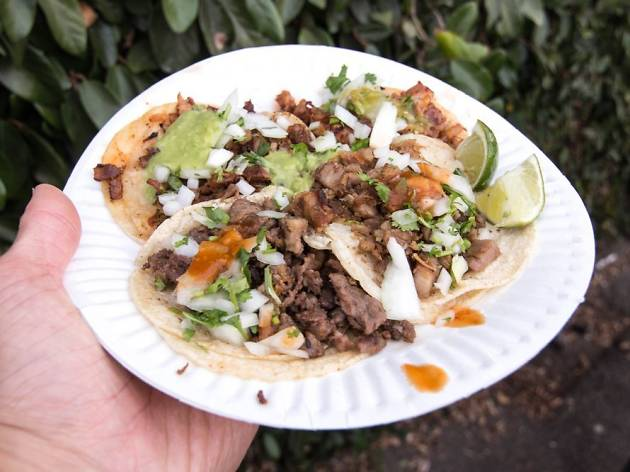 Street tacos in Avenue 26 Taco Stand