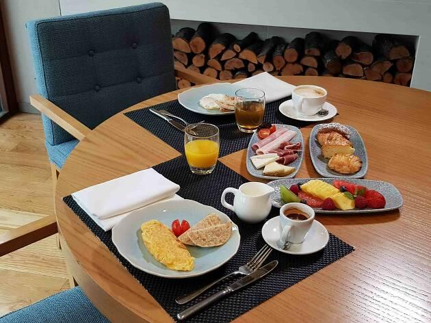 Esmorzar amb vistes a l'hotel Miramar