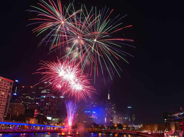 Watch the New Year's Eve fireworks in Melbourne