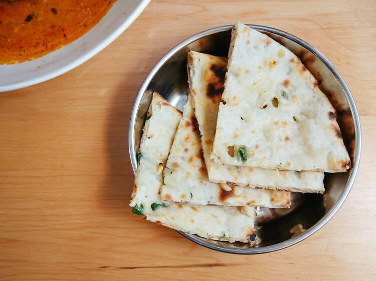 Chili-cheese naan at Adda