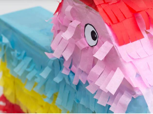 La Piñata, venta de libros