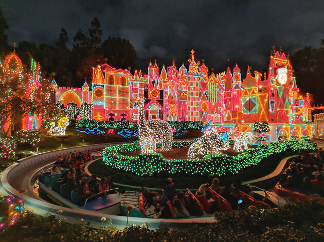Christmas Lighting.15 Best Places To See Christmas Lights In Los Angeles