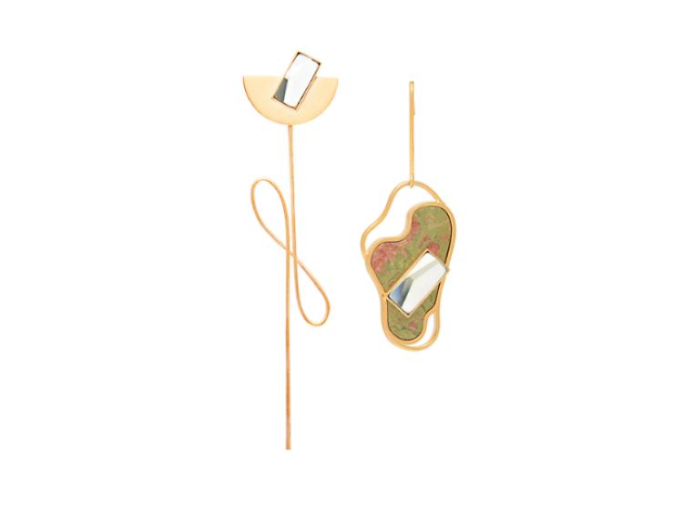 不對稱耳環