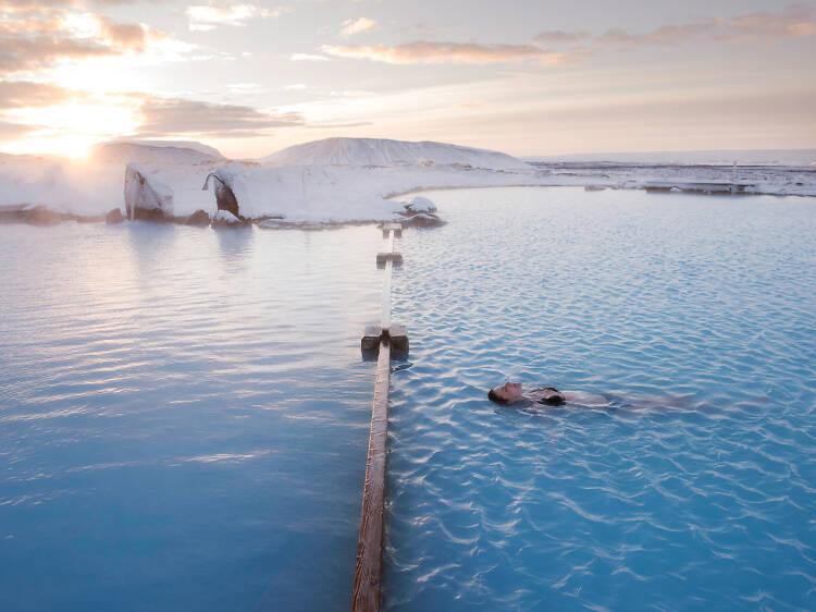 天然温泉は1人で入る。