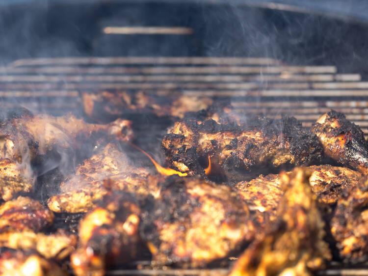 伝統料理の発祥の地で食べる。