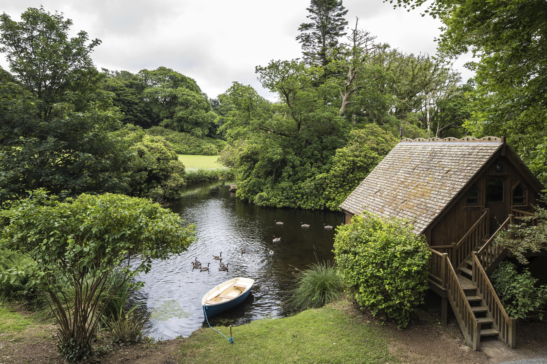 Treehouse on the Lake, Luxury Lodges