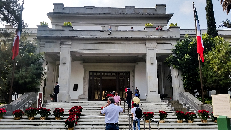 Casa Miguel Alemán en el Complejo Cultural Los Pinos