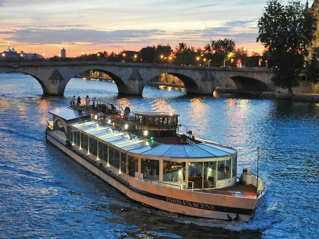 Dinner cruises: Bistro style Seine dinner cruise
