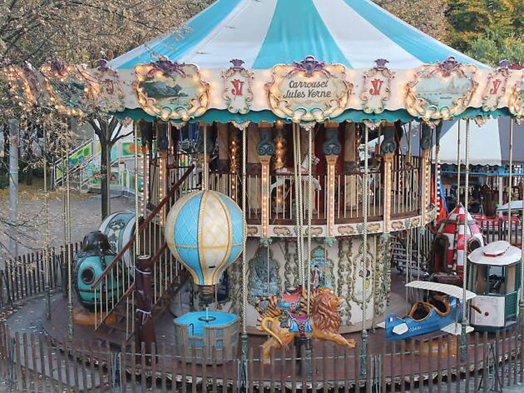 Le carrousel Jules Vernes à La Villette